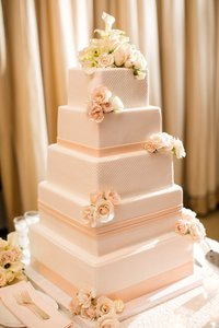 Pearl Studded Peach Band Cake