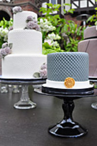 Gatsby Cake Table, Close up of Grey Honeycomb Cake