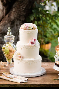 Romantic Wedding Cake & Dessert Table