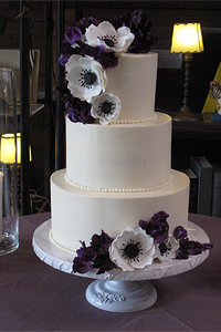 Sugar Ranunculus and Purple Flower Cake