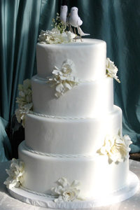 4 Tier White Fondant Rope Border Cake
