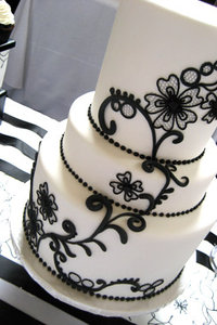 Lace And Vintage Brooch Fondant Wedding Cake A Black
