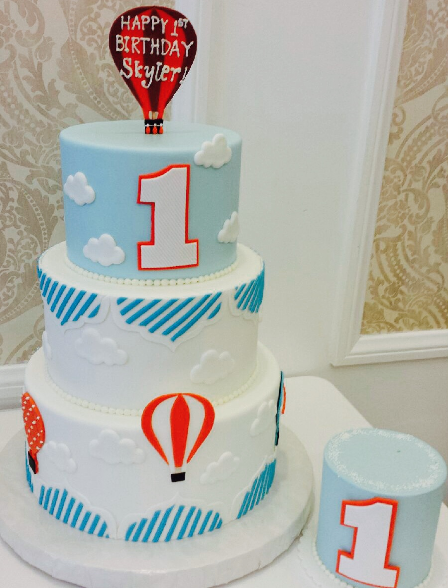 Hot Air Balloon 1st Birthday Cake Smash